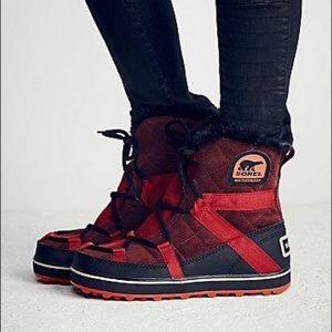 sorel glacy explorer shortie red winter snow boots